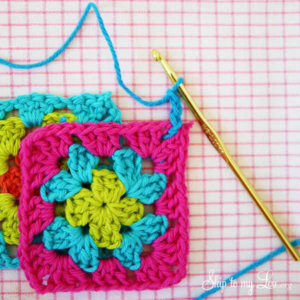 how to join granny squares step 2