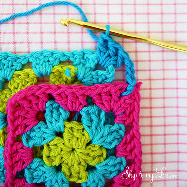 how to join granny squares step 3