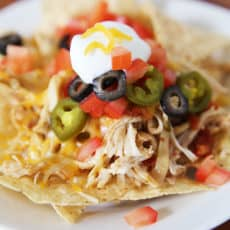 Slow-cooker-chicken-nachos.jpg