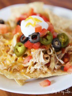 Slow-cooker-chicken-nachos.jpg