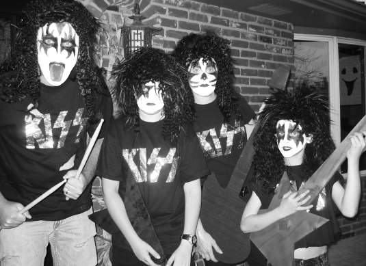 kiss halloween costume idea