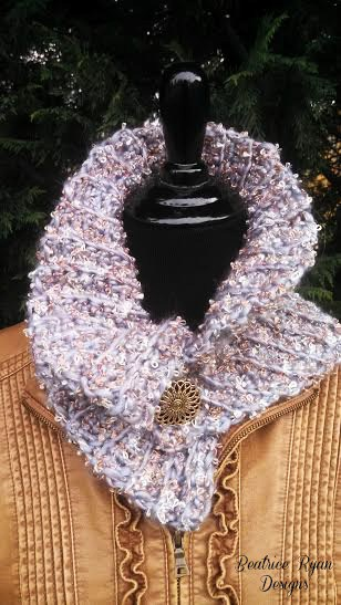 Simple and Elegant Crochet Cowl | Skip To My Lou