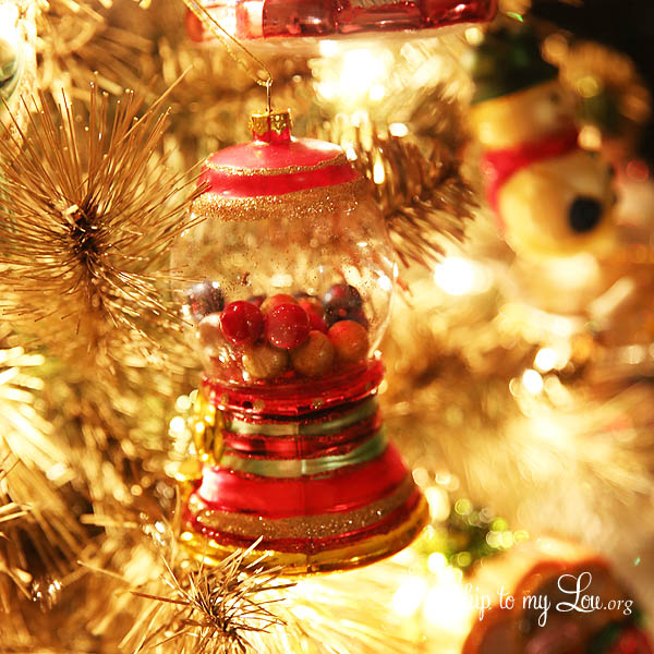 Beautiful Christmas Tree Pictures: Have The Most Beautiful Christmas Tree With This DIY Gold