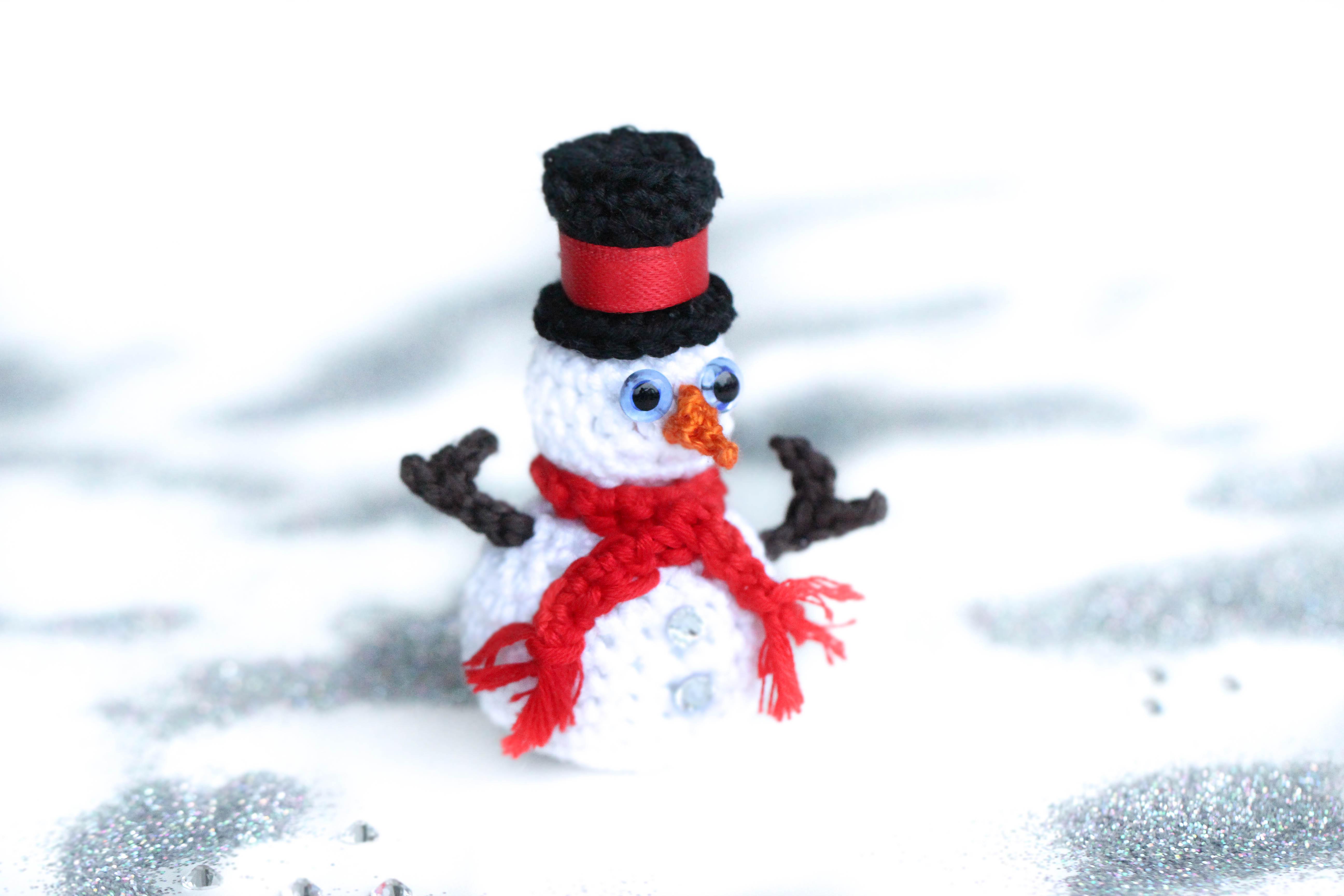 Crochet Snowman | Skip To My Lou