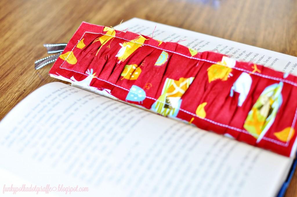 Ruffled Bookmark 08