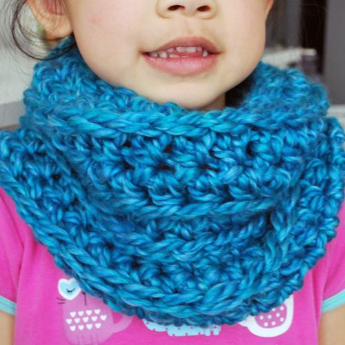 Easy Crochet Kids Cowl | Skip To My Lou