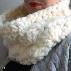 super-chunky-crochet-cowl-6