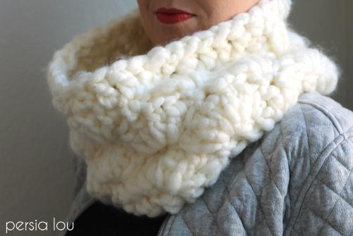 super chunky crochet cowl 6