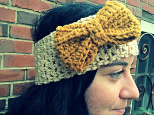 Crochet Ear Warmer With Bow Pattern