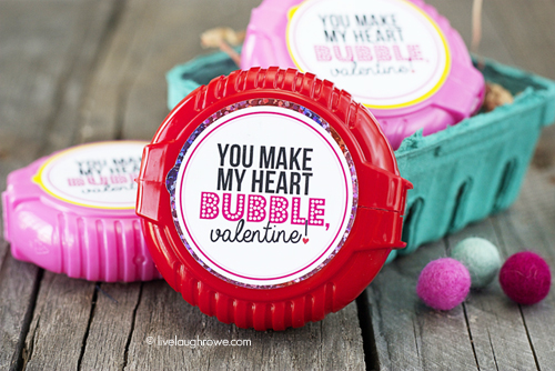 You Make My Heart Bubble, Valentine! Free Printable, just attach to Bubble Gum Tape Rolls or Boxes!! www.livelaughrowe.com