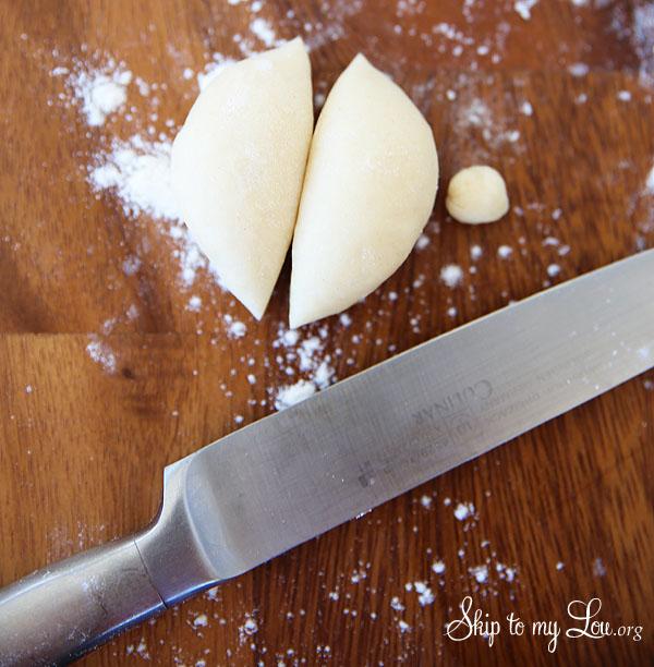 bunny rolls shaping dough
