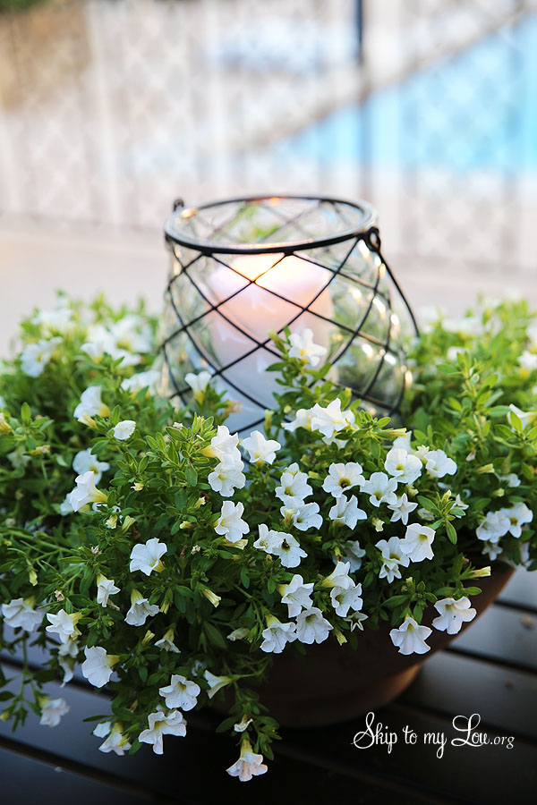 easy floral outdoor centerpiece