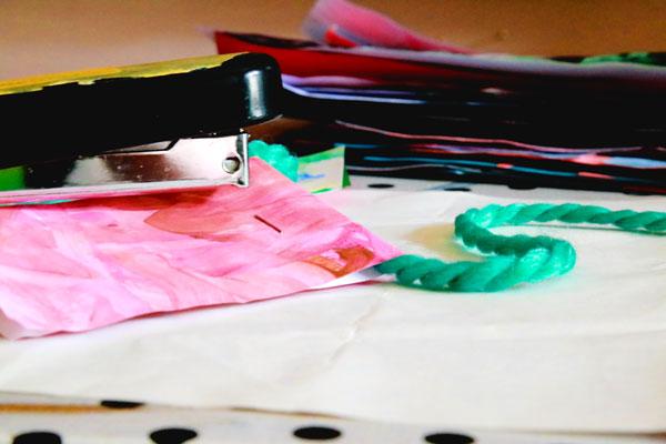 childrens-art-garland-DIY-craft