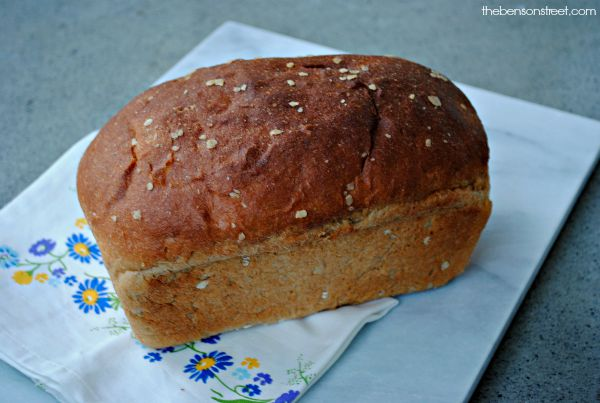 Yummy and easy homemade whole wheat bread at thebensonstreet.com