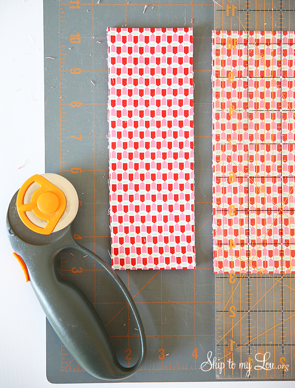 diy lanyard cutting fabric