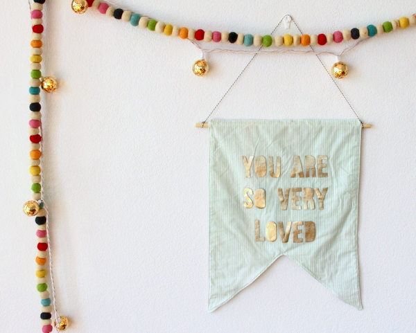 handmade Christmas- DIY flag banner gift idea (easy to customize, even easier to put together!)