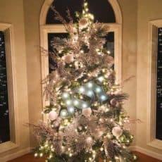 beautiful-decorated-Christmas-Tree-skiptomylou.org_.jpg