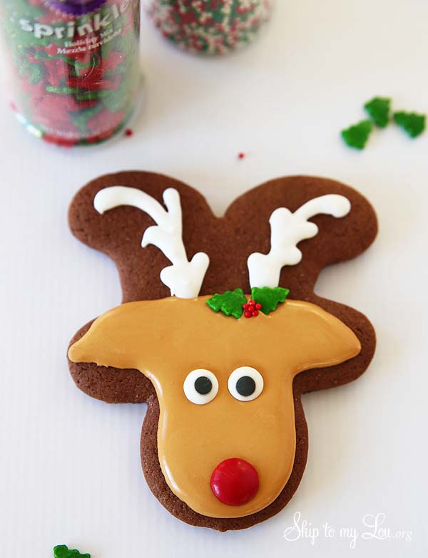 reindeer cookie add holly