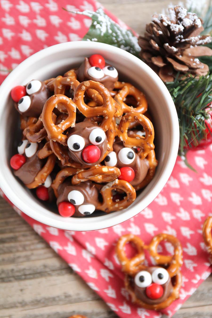 pretzel christmas treats candy reindeer rolo holiday gifts edible fun easy recipes treat cute rudolf crafts raindeer food chocolate recipe