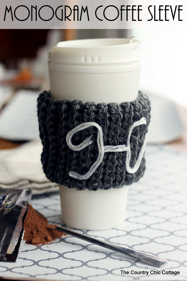 monogram-knit-coffee-sleeve-from-a-knitting-loom
