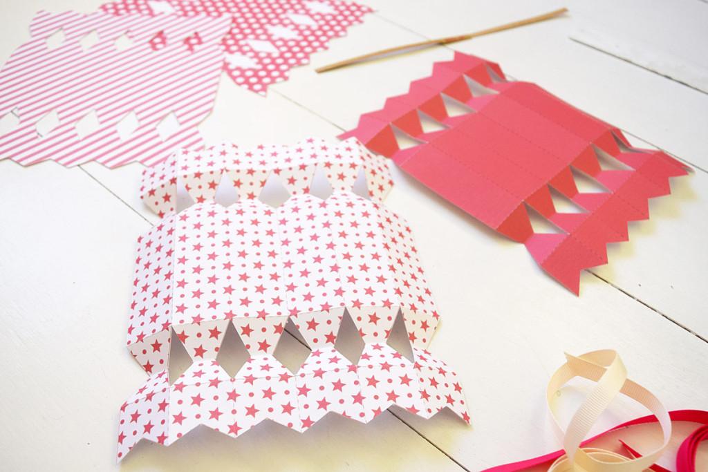 Valentines Cracker - Folding