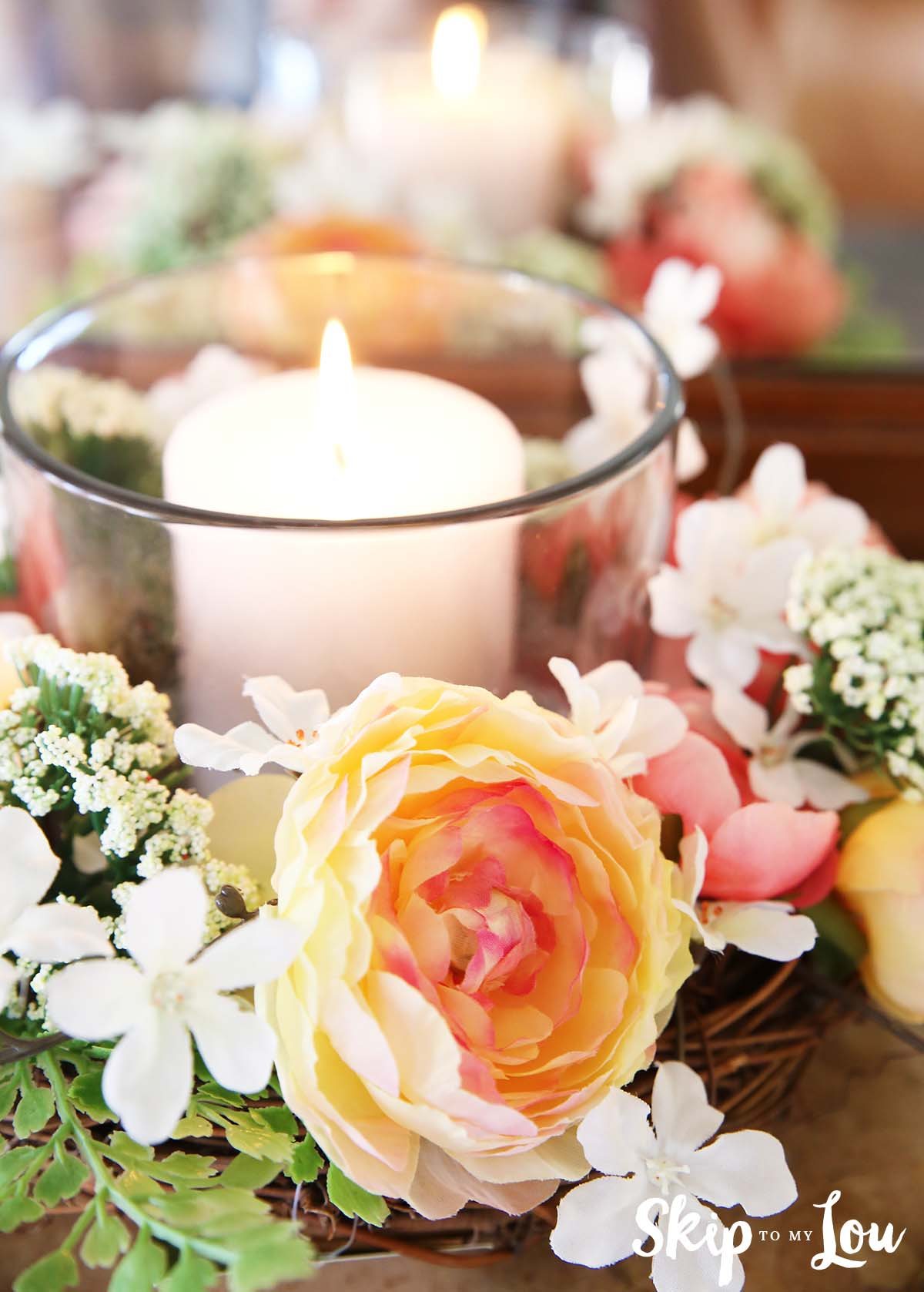 easy floral centerpiece with glass candle holder
