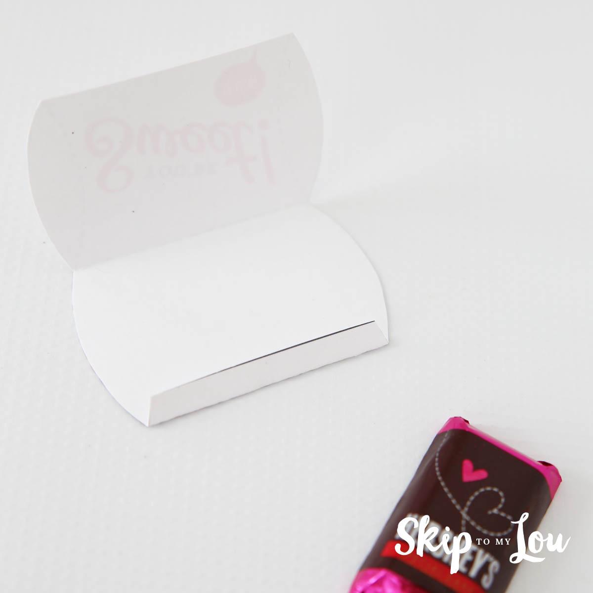 mini Valentine pillow box tutorial