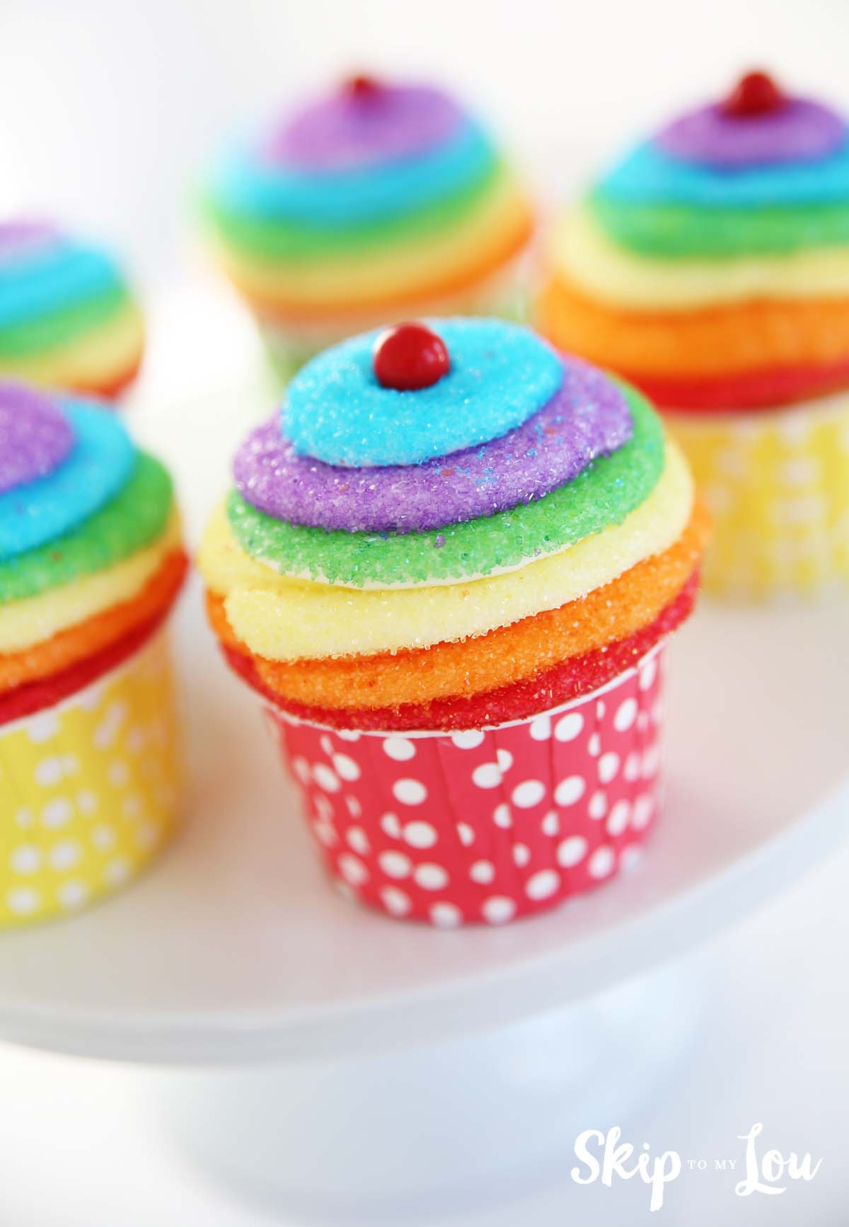 Easy Rainbow Cake Decoration : Easy Rainbow Cupcakes Skip To My Lou