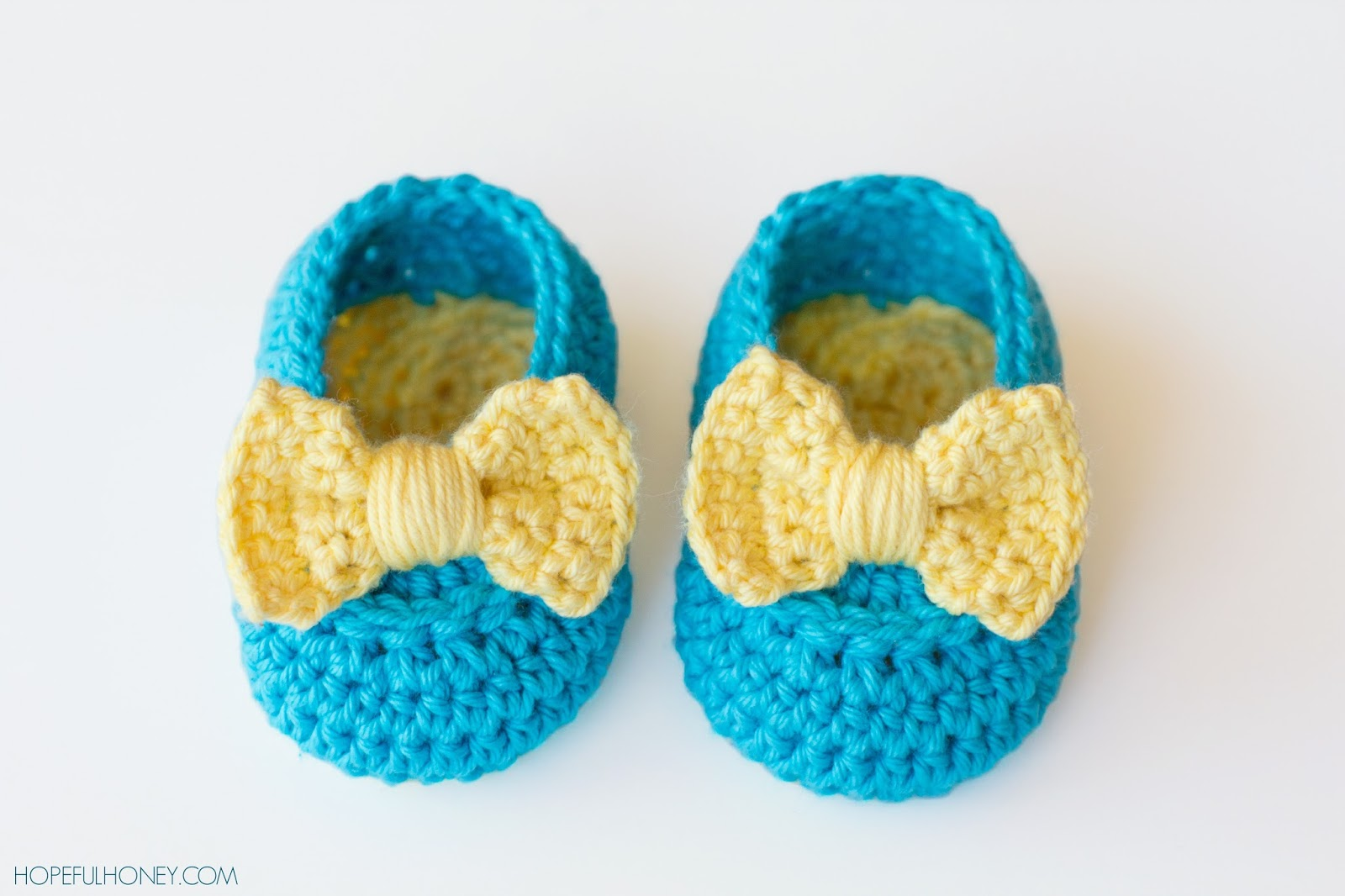 Crochet Websites : Lemon Drop Baby Booties I love that big yellow crochet bow!