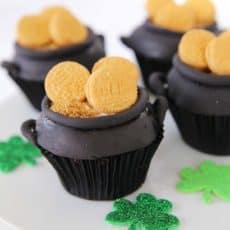 St-Patricks-pot-of-gold-cupcake.jpg