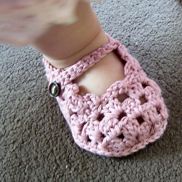 How To Crochet Baby Booties Free Patterns : Free Crochet Baby Bootie Patterns Skip To My Lou ...