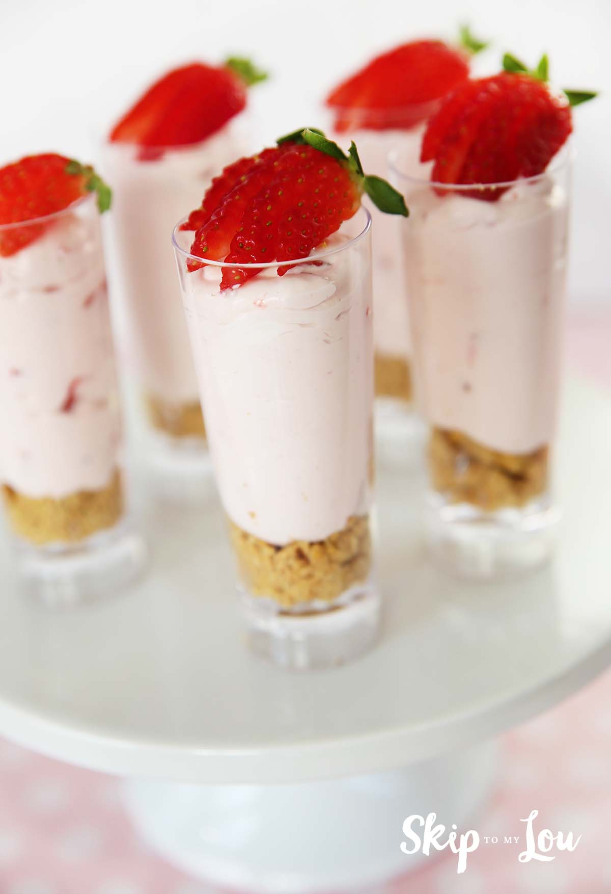 Individual No Bake Strawberry Cheesecake