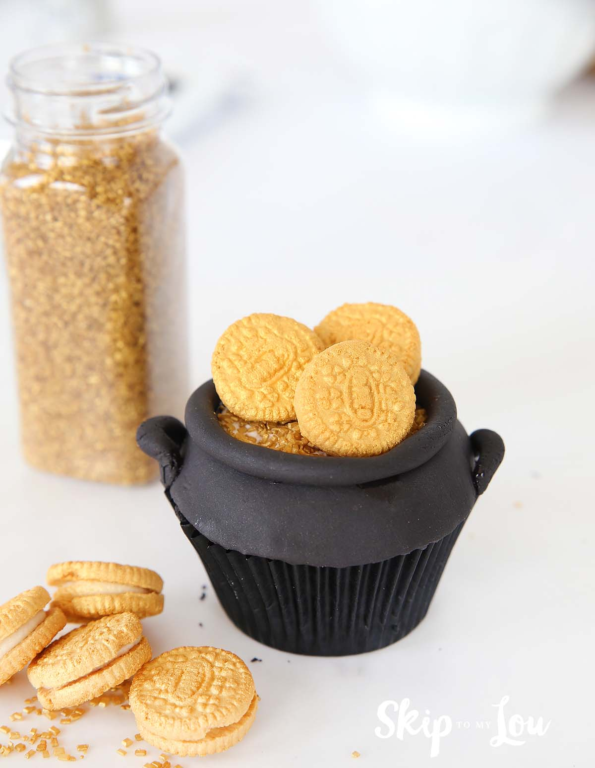 pot of gold cupcake with oreo coins