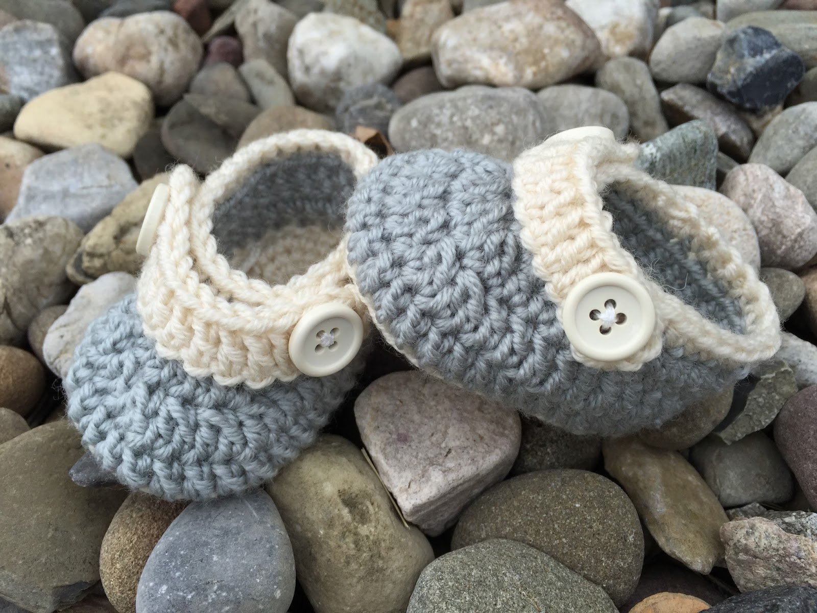 Crochet Bunny Baby Booties Pattern : 25 Cutest Free Crochet Baby Bootie Patterns