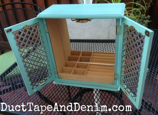 Finished-turquoise-homemade-chalk-paint-jewelry-cabinet-found-at-thrift-store.-DuctTapeAndDenim.com_