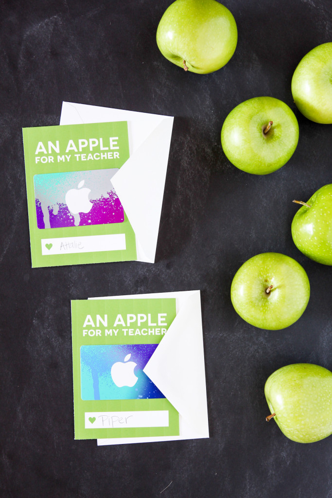 Love this card to dress up an iTunes Gift Card for Teacher Appreciation via @PagingSupermom