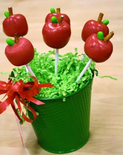 Apple-Cake-Pops-Gift