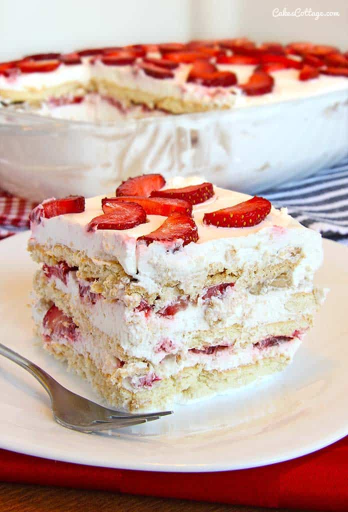How Do You Make Strawberry Ice Cream Cake