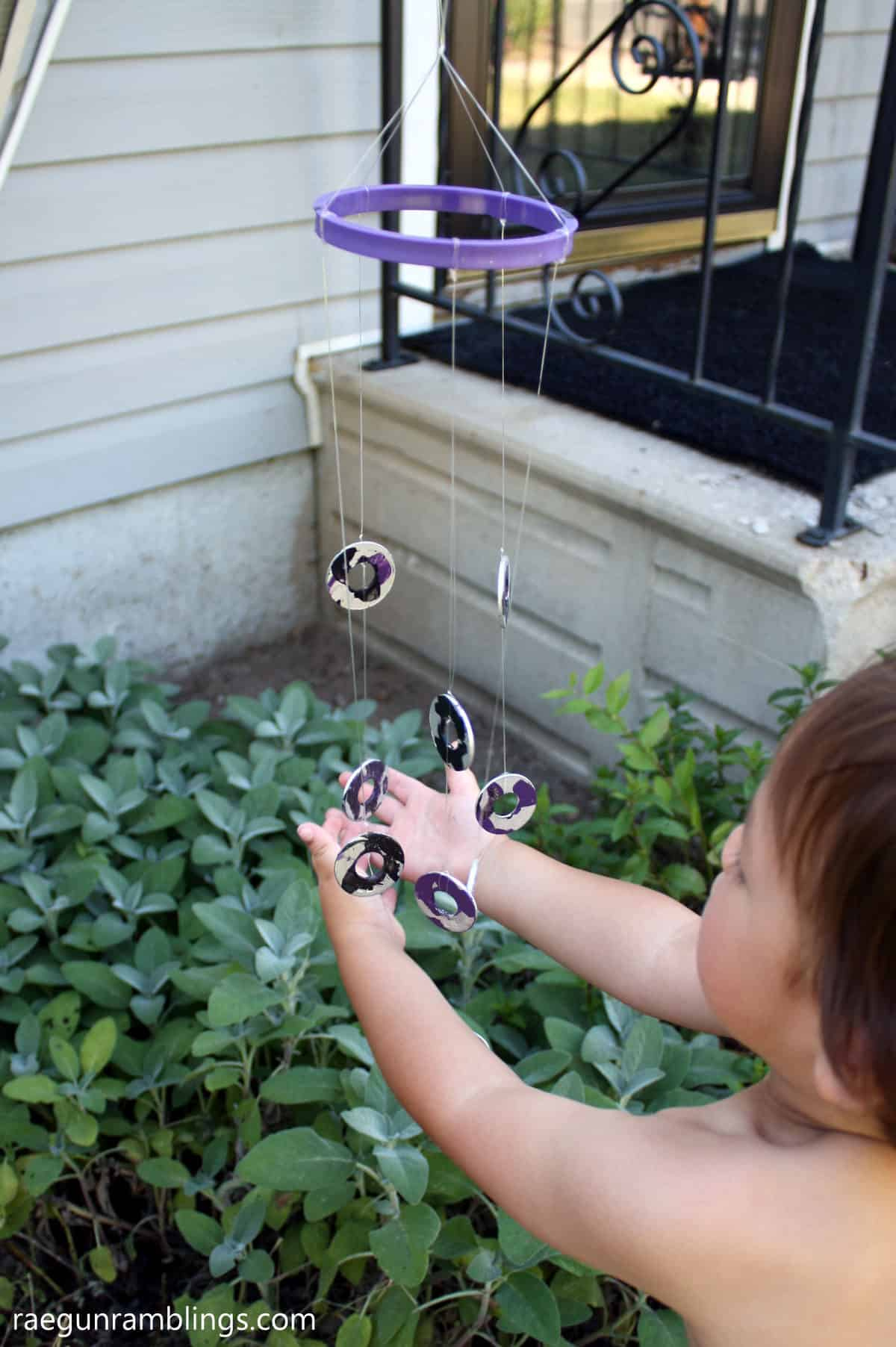 Fun and easy kids activity. DIY wind chime with step by step tutorial instructions