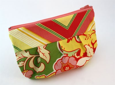 flowered pleated zippered pouch