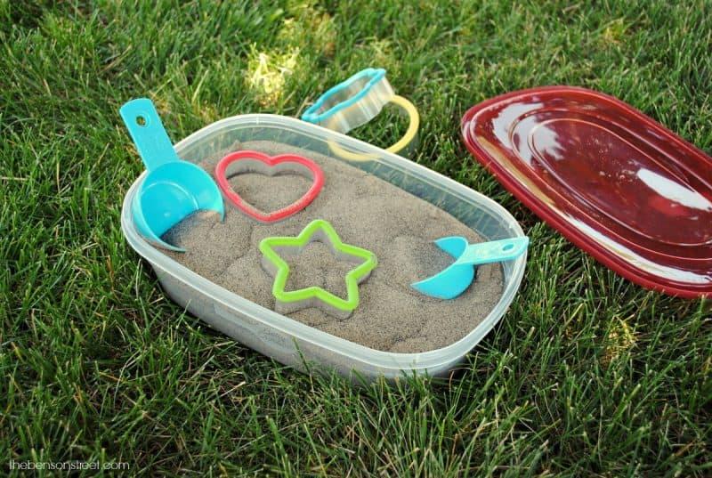 Toddler craft and fun idea, portable mini sandbox via thebensonstreet.co