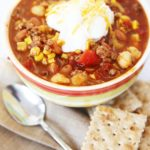 taco soup with crackers