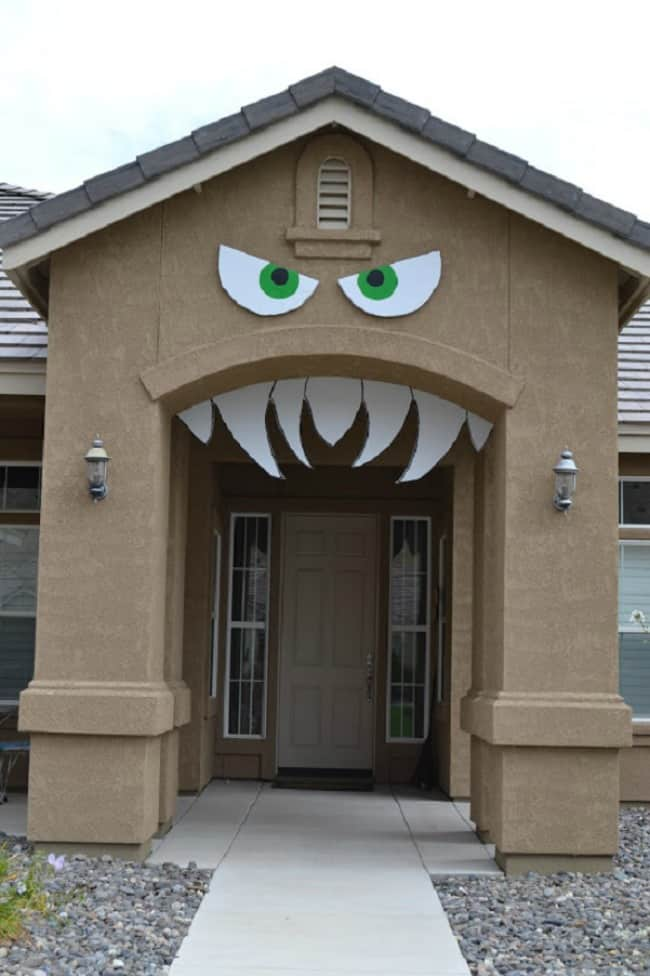 monster-arch-front-porch