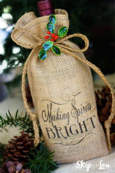 diy-printed-burlap-bottle-bag