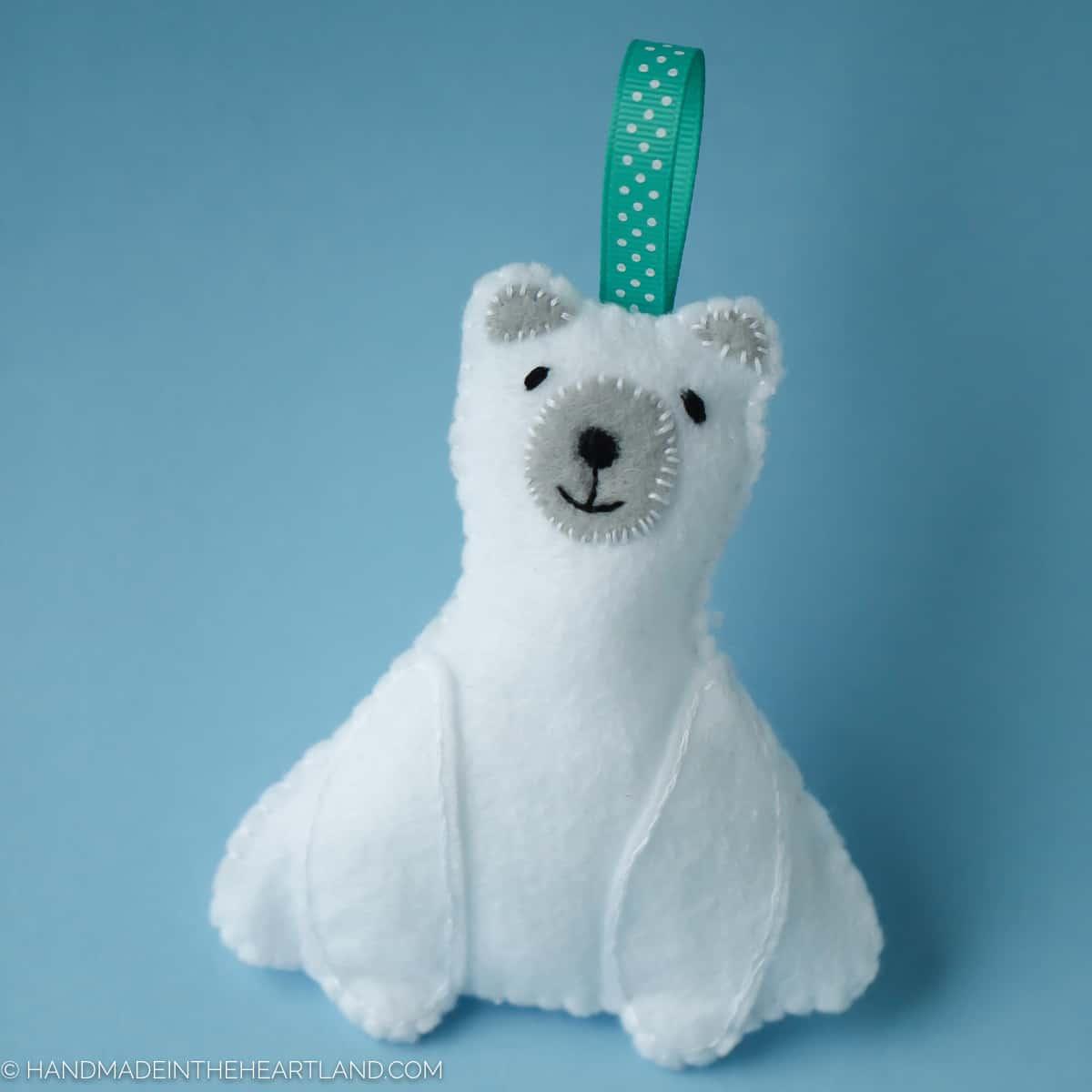 easy-polar-bear-ornament-large-3-of-3