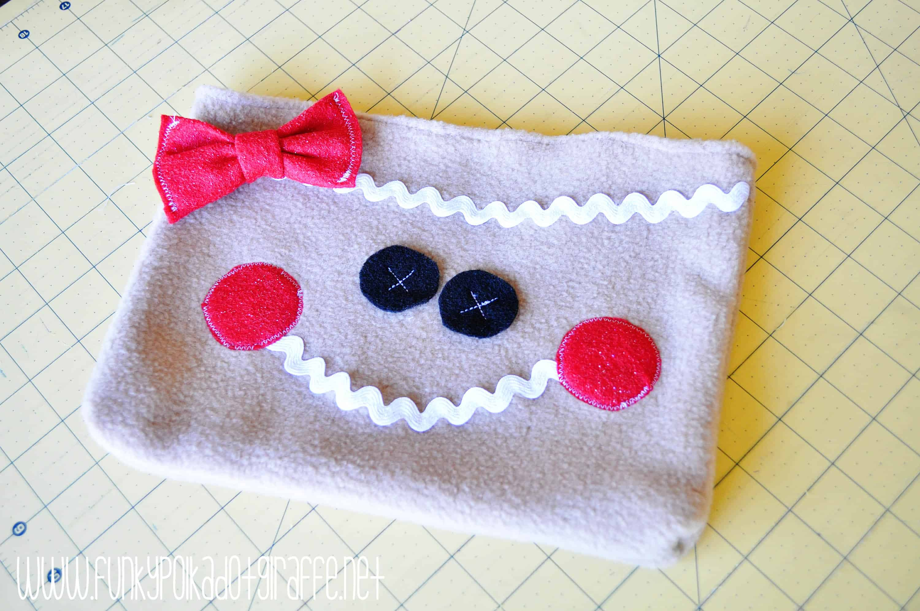 gingerbread-man-purse-07