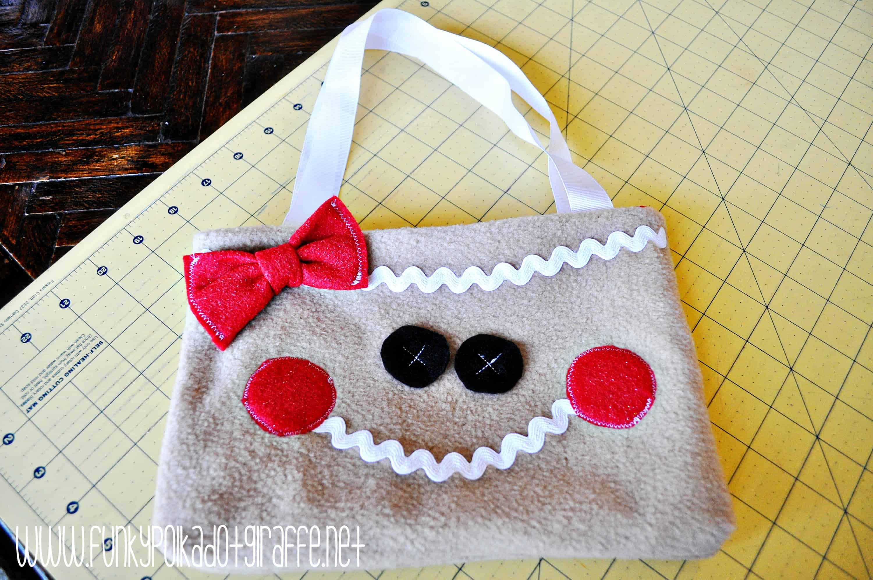 gingerbread-man-purse-10