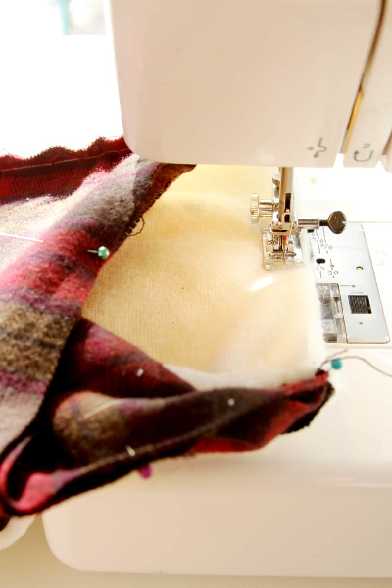 sewing-scarf-end-seam
