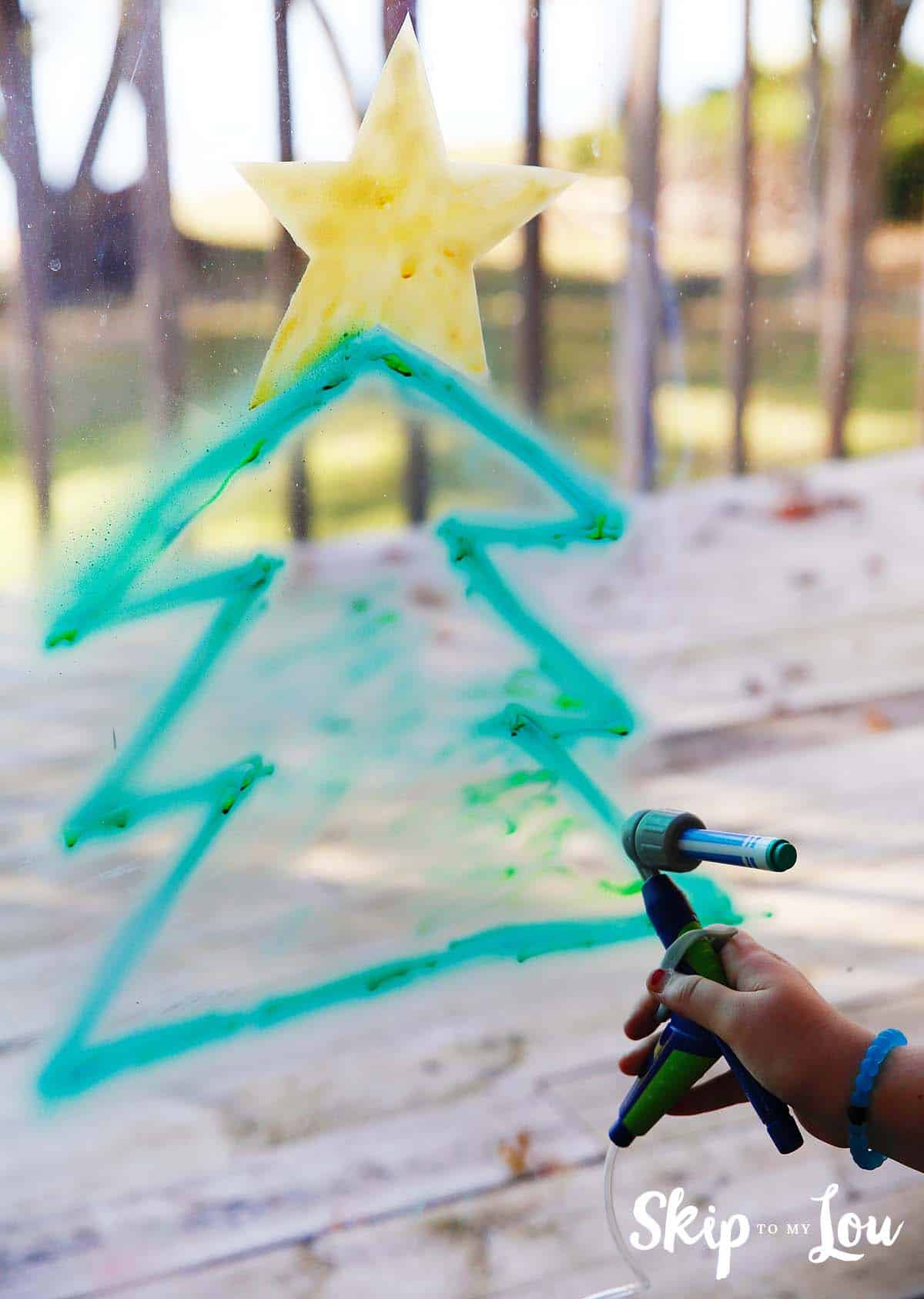 crayola-air-maker-spray-window-decorations