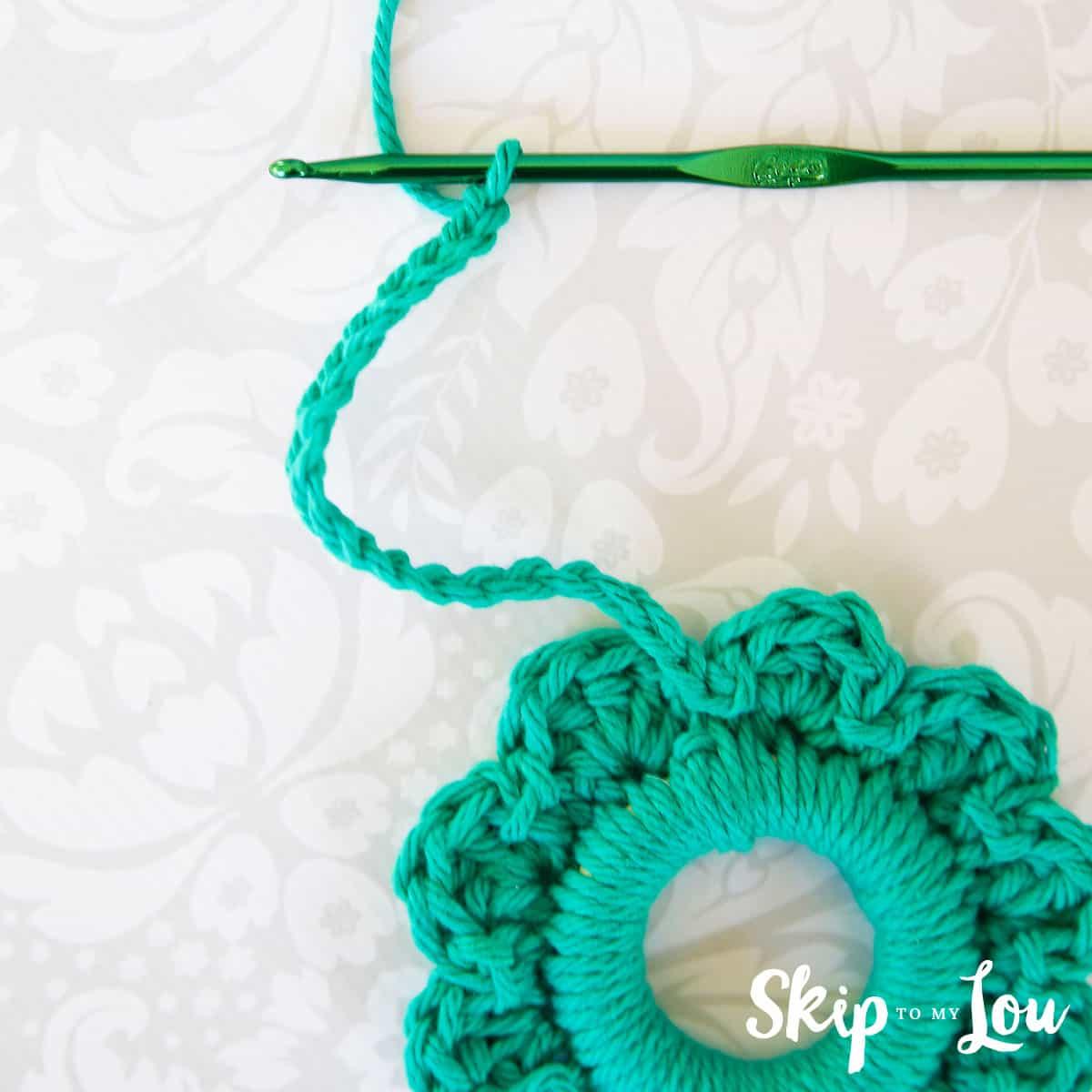 crochet-wreath-pattern-10